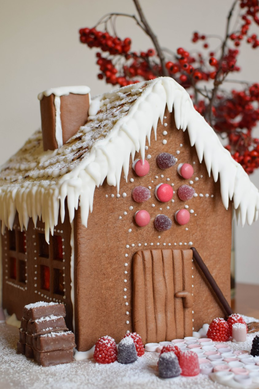 Gingerbread House - abagofflour.com