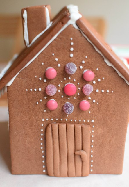 Gingerbread House| abagofflour.com